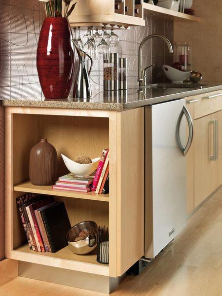 Side shelves