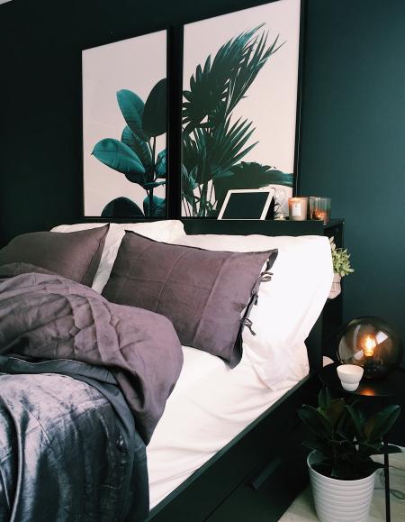 Bed-bedroom-comfort-1374125