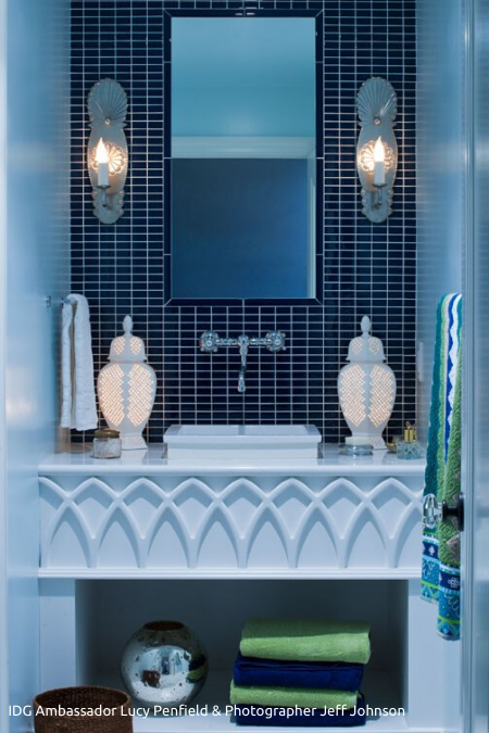 Scalloped_Edges_Bathroom_450x675