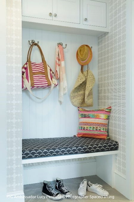 Scallop_Edges_Mudroom_Nook_450x675