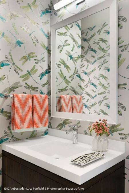 Dragonfly_Wallpaper_in_Powder_Room_450x675